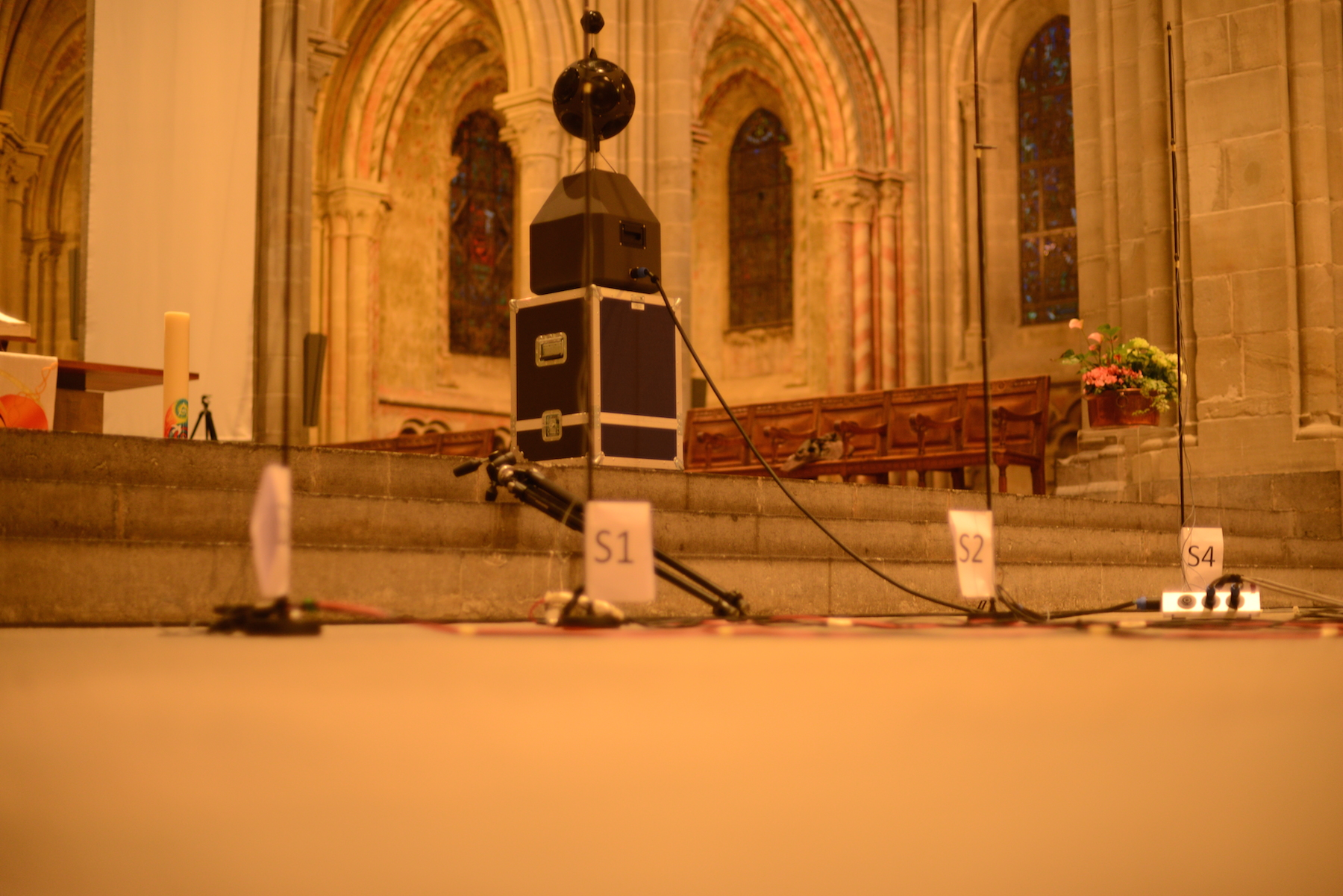 Dodecahedron loudspeaker designed by ITA at the altar